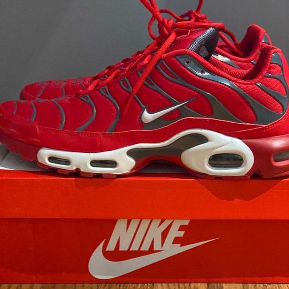 Men's size 13 Nike Air Max Plus